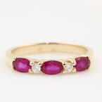 Modern Estate Ladies 14K Yellow Gold Red Stones Diamond Anniversary Right Hand Ring Band