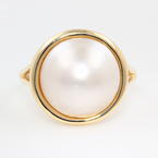 Classic Estate Ladies 10K Yellow Gold Mabe Pearl Right Hand Ring