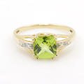 Retro Estate 14K Yellow Gold Checkered Cushion Cut Green Peridot Diamond Cocktail Right Hand Ring