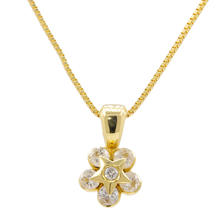 NEW Modern 18K Yellow Gold Diamond Flower Pendant Chain Necklace Jewelry