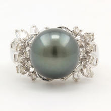 Classic Estate 18K White Gold Black Tahitian Pearl Diamond Right Hand Ring Jewelry