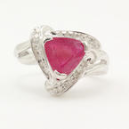 Vintage Retro Estate 10K White Gold Ruby Trilliant Diamond  Right Hand Cocktail Ring
