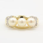 Vintage Estate Ladies 10K Yellow Gold Pearl Diamond Right Hand Ring