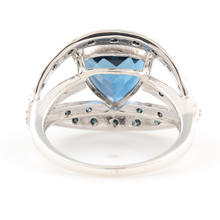 NEW Modern Ladies 925 Silver London Blue Topaz Diamond Right Hand Cocktail Ring