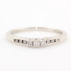 Modern Ladies 10K White Gold Diamond Three Stone Engagement Ring Jewelry