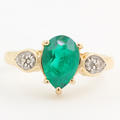 Estate Ladies 14K Yellow Gold Pear Cut Emerald Diamond May Birthstone Right Hand Ring