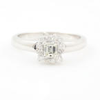 Modern Estate Ladies Platinum Diamond 0.50CTW Halo Engagement Ring