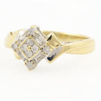 Modern Ladies 10K Yellow Gold Diamond 0.30CTW Right Hand Ring