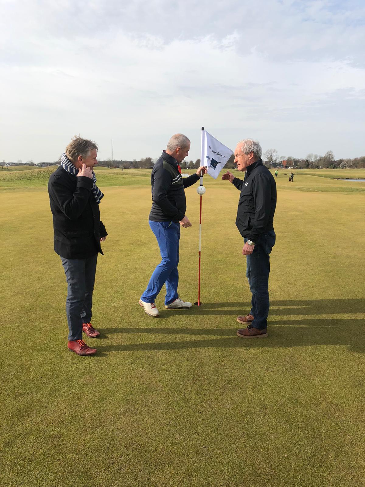Dirk van der Steen vlaggensponsor Golfclub Heiloo