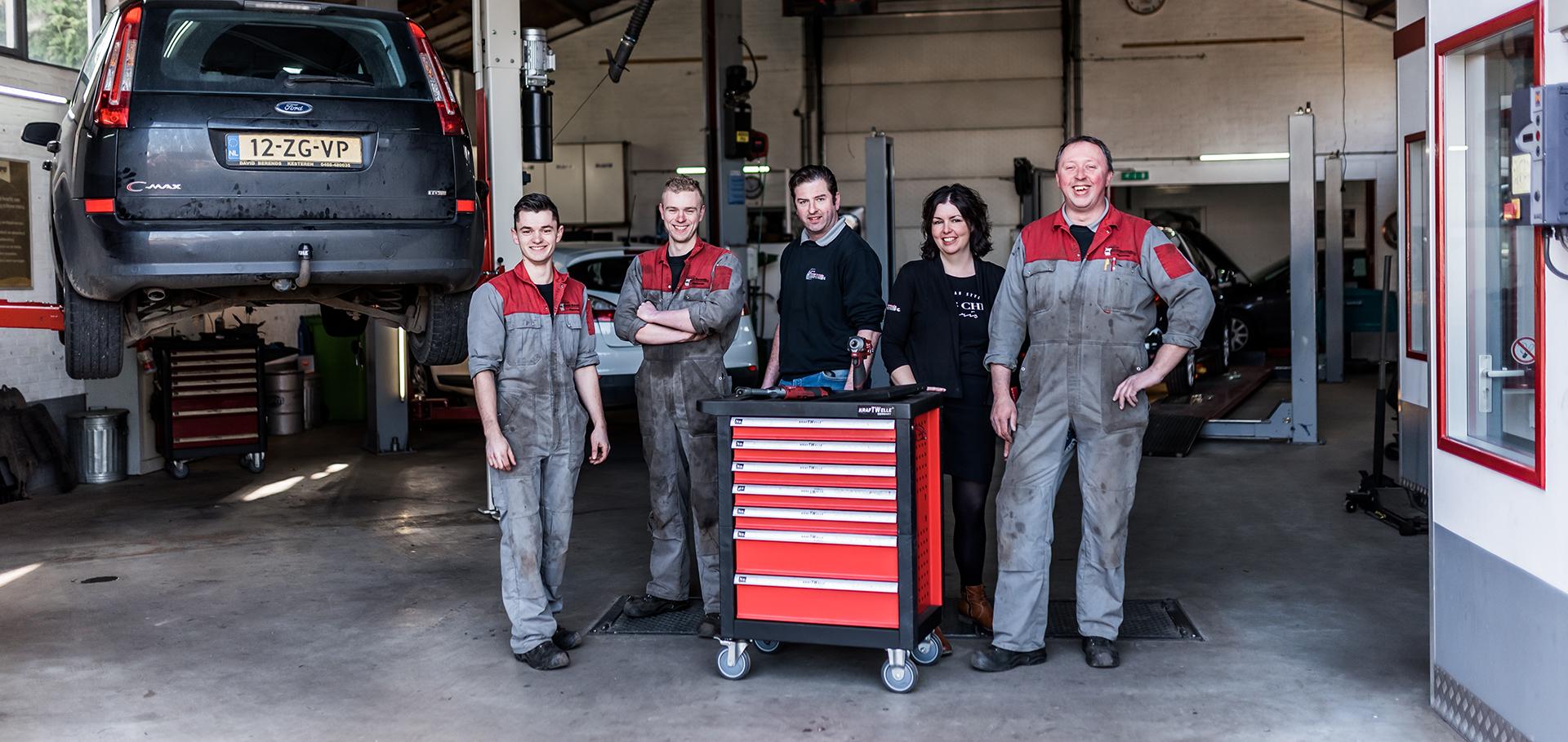 Het team van autobedrijf David Berends
