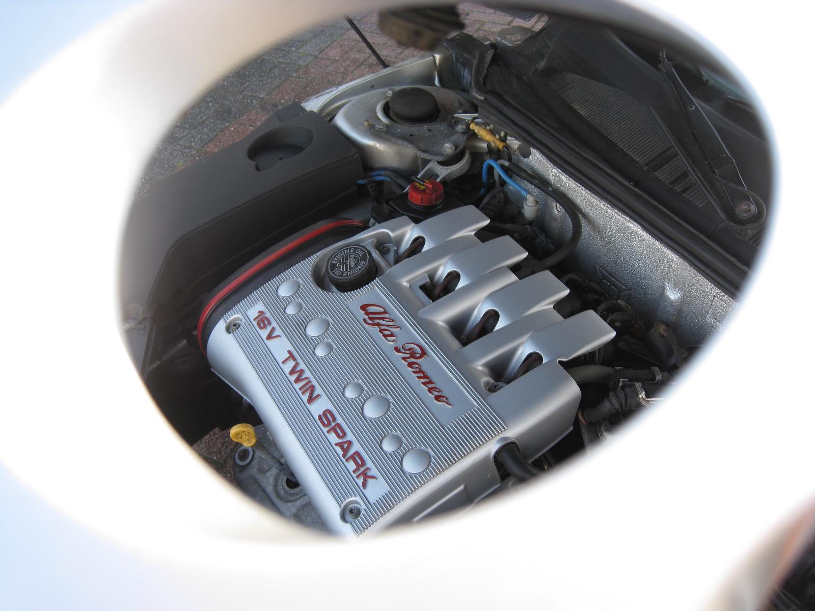 Alfa Romeo 916 Spider Twin Spark