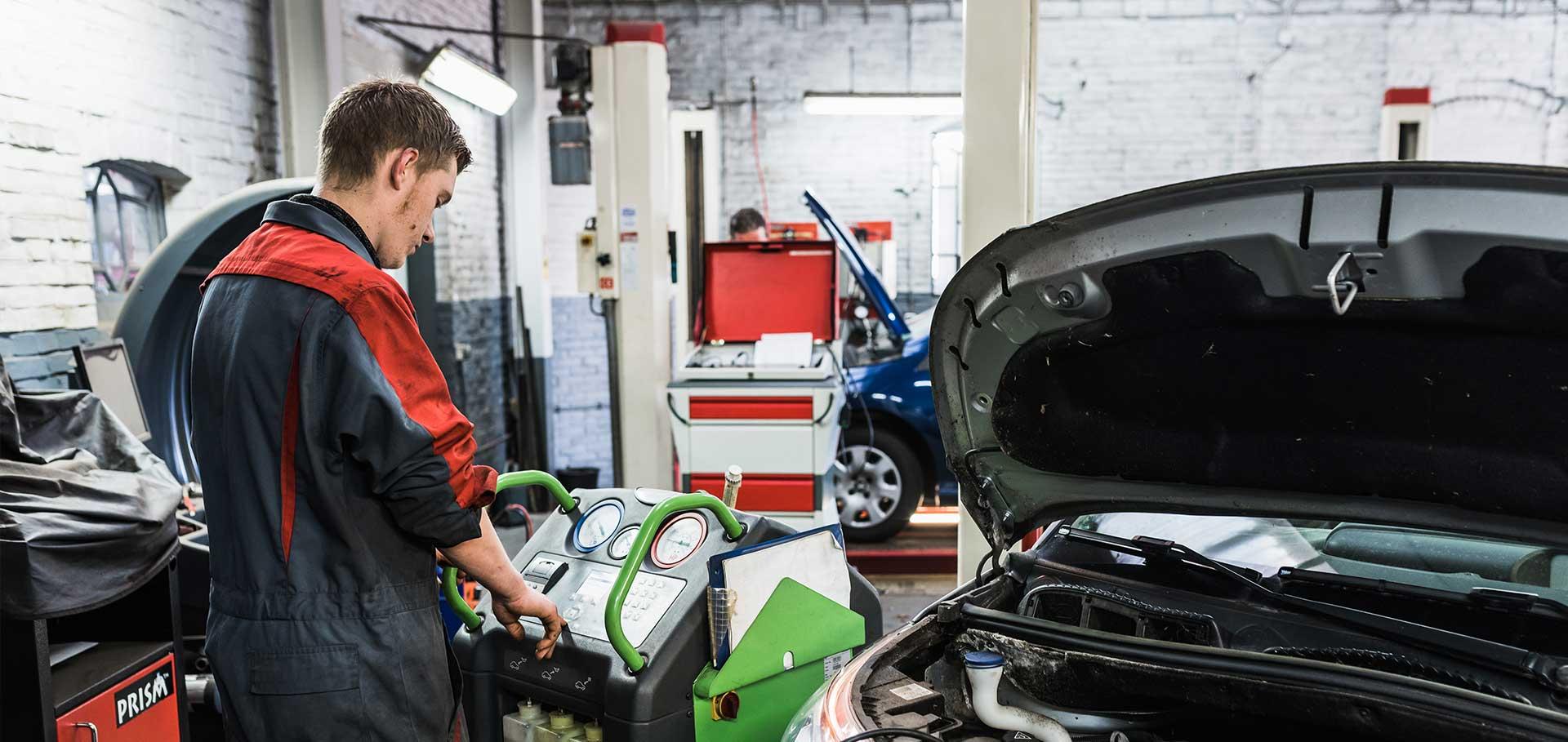Aircoservice Autobedrijf Gert Weesies in Zandeweer