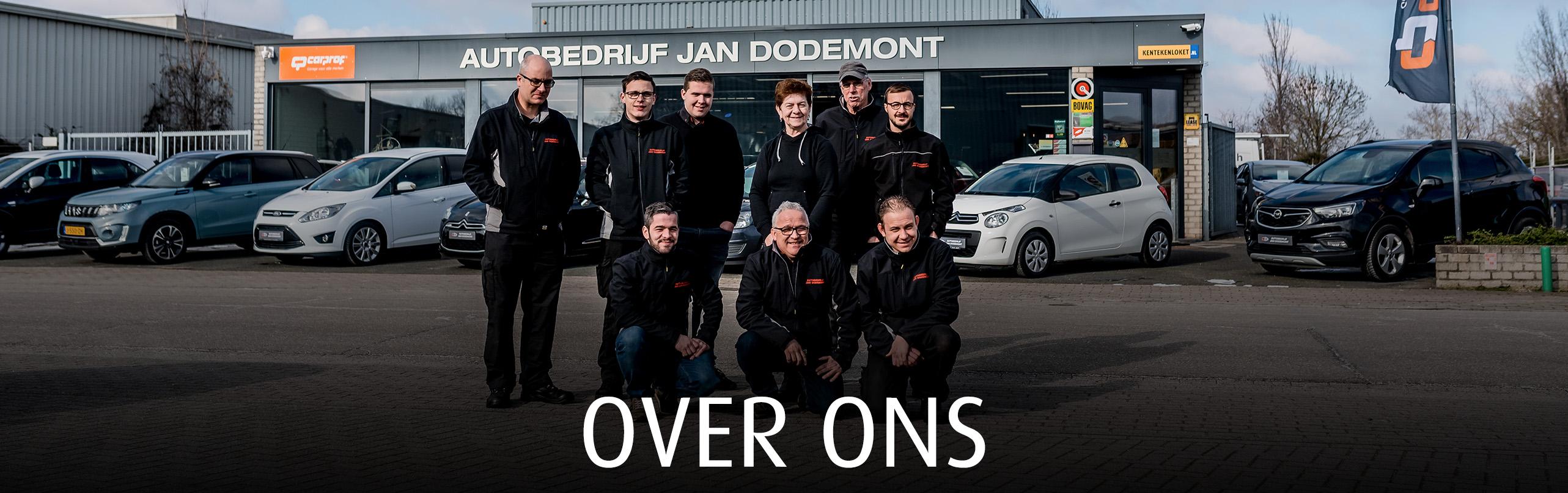 Het team van autobedrijf Jan Dodemont