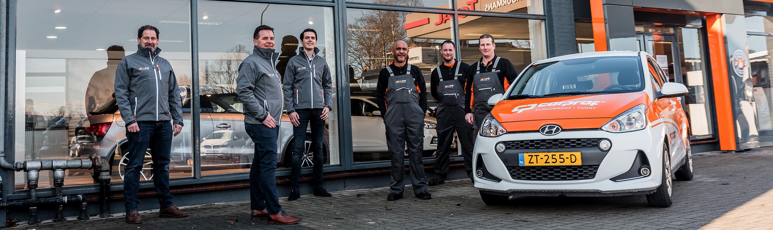 Het team van Autobedrijf Carprof Schuurmans