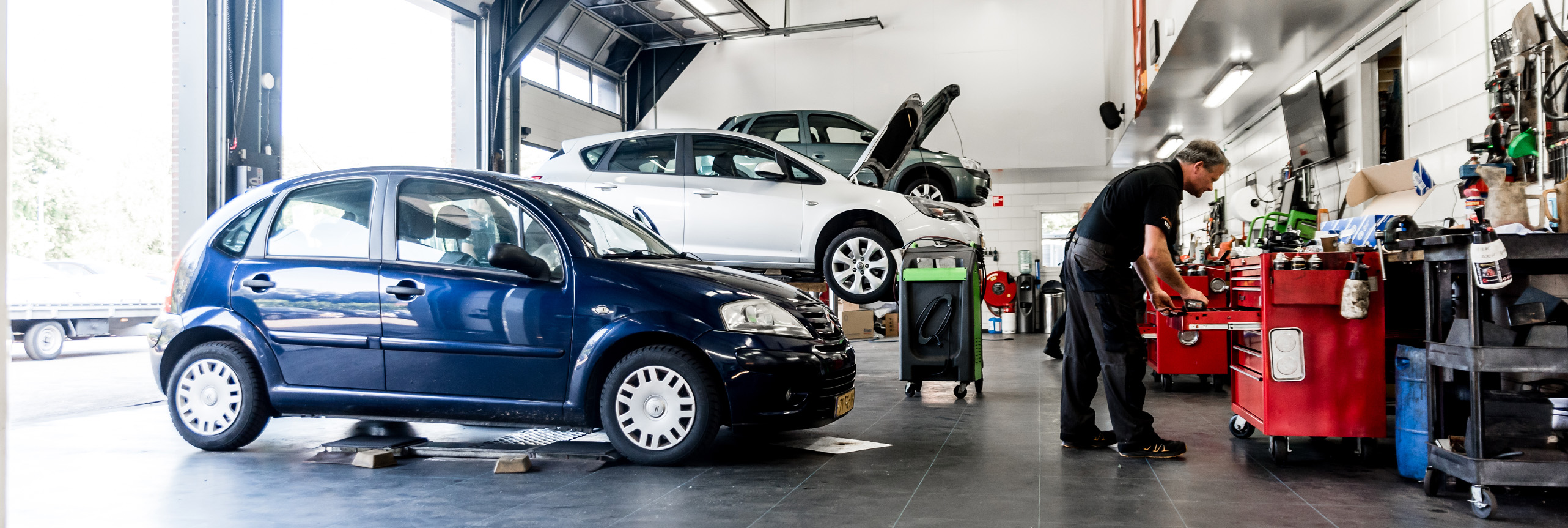 Werkplaats autobedrijf Veld in Steenwijk Kallenkote