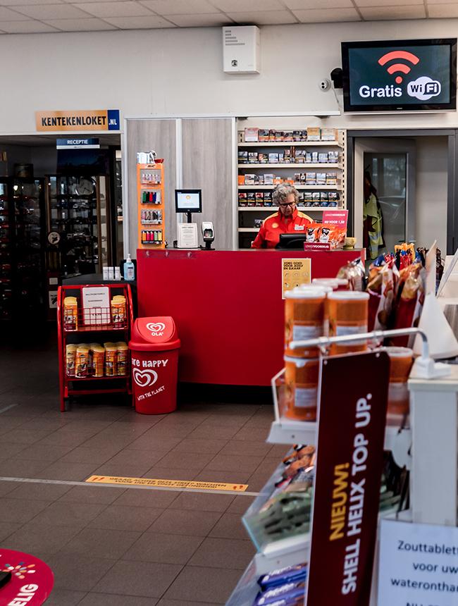 Tankstation en shop Autovakmeester Bremer
