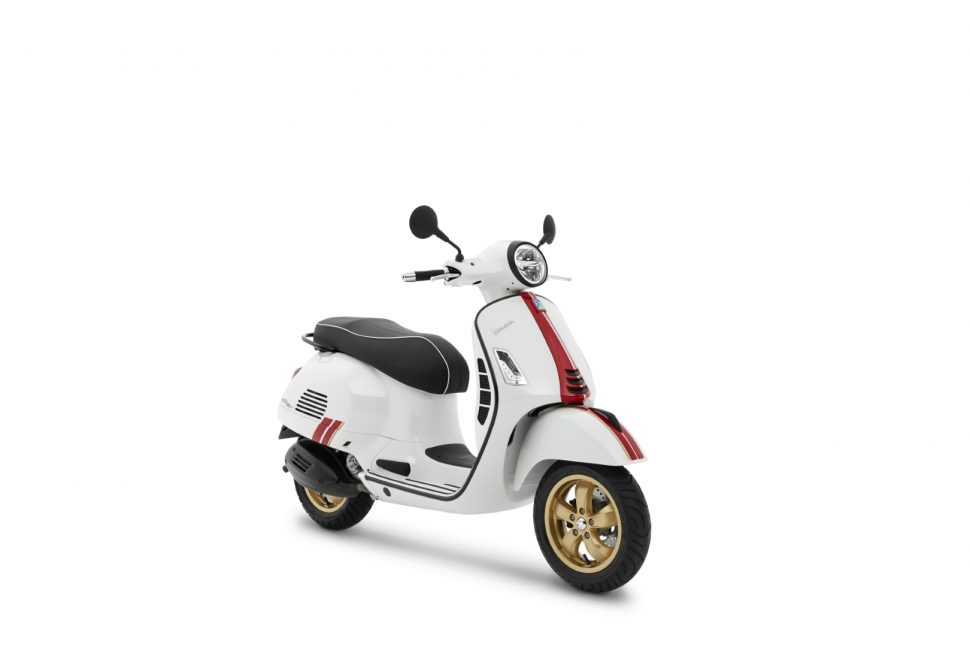 Vespa GTS Super 300 Racing