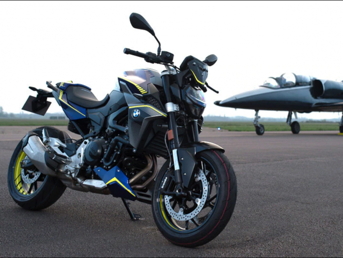 BMW F900R Force Edition