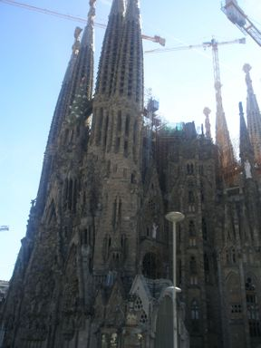 Anyone who came to Barcelona, I strongly recommend to visit this magnificent structure. You can walk through the park, located next to the temple and from there look at all the sculptures on the top of the towers)