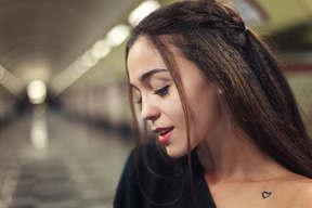 Пора уже рассказать о себе? Меня зовут Анастасия, но для своих я Ася;) Мне 19 лет , родилась в Донецке, городе роз и шахт❤️, в 14 лет из-за войны я ухала жить в Херсон, а уже через пол года я переехала в славный город Киев, где прожила 4 года. В Киеве работала  в барах, кофейнях. Была и поваром, и барменом, и официантом, и админом. Так же я раскручивала заведения и организовывала мероприятия. Год назад я начала бить татуировки! Я стала чуть ближе к своей мечте и цели жизни!(но об этом потом!)  Ну а о том, что мы переехали в Польшу я уже писала!)  Вот такая у меня жизнь в двух словах?