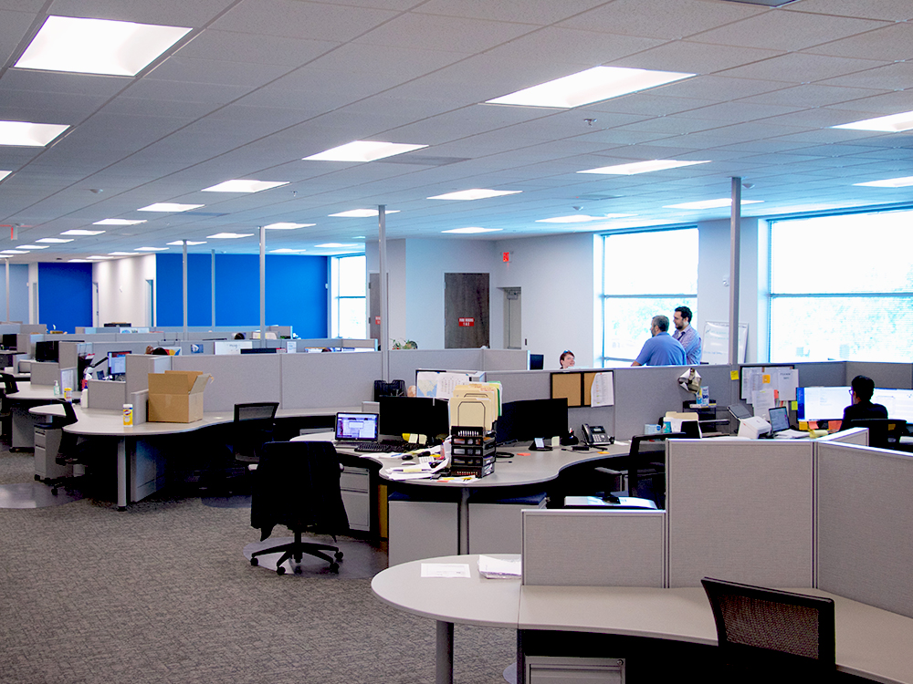 Avante HS Charlotte - employee desks