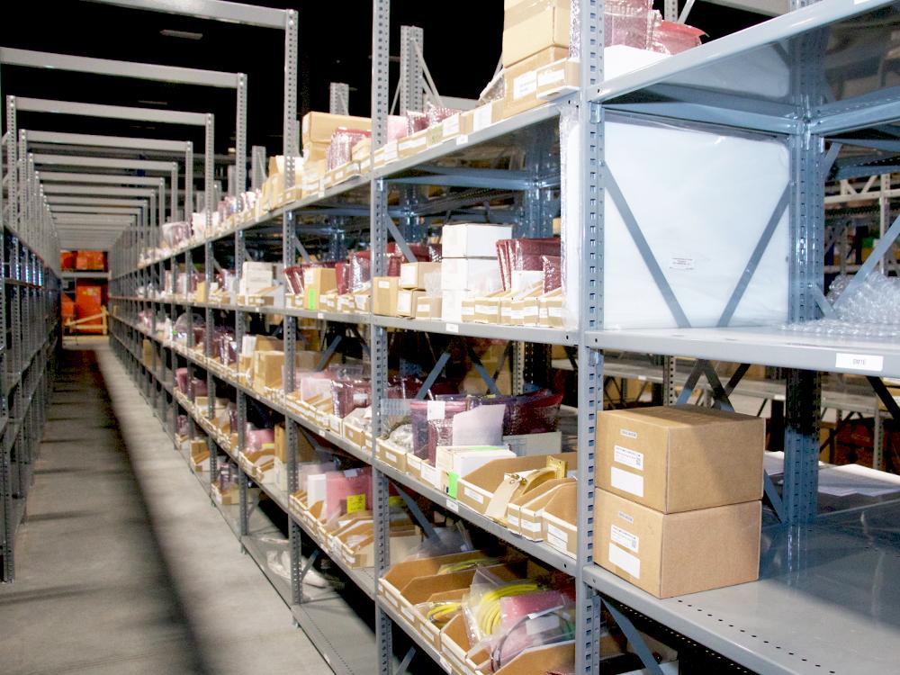 Avante HS Charlotte - warehouse shelves small diagonal