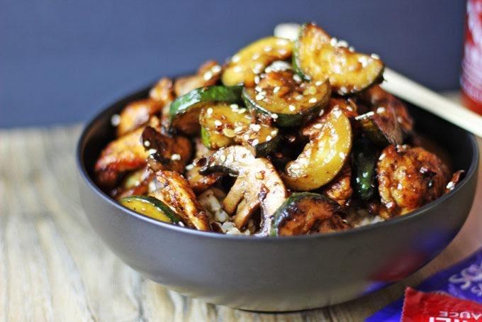 Pechuga de pollo con champiñones y calabacitas
