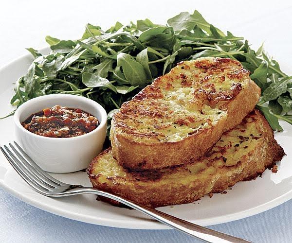 Pan francés salado con ensalada