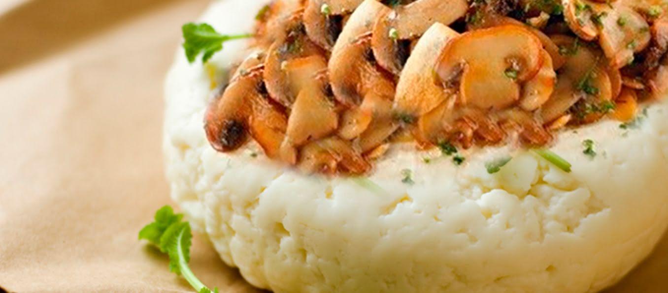 Panela asada con champiñones y tostadas