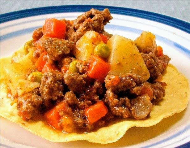 Picadillo a la Mexicana con tostadas horneadas