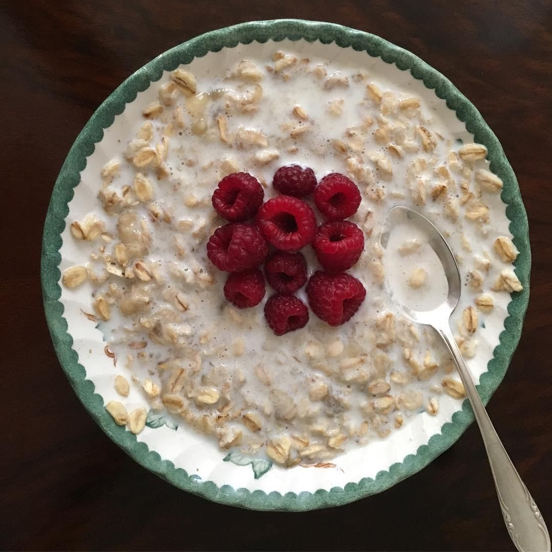 Yogurt con avena y semilla de chía
