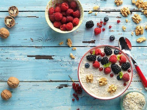 Avena con berries y nuez