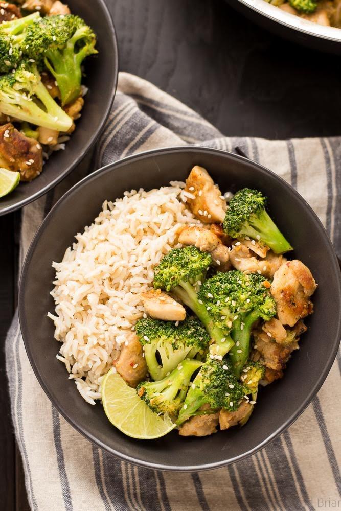 Pollo en crema de cacahuate con brócoli