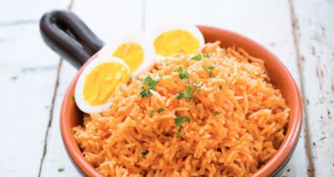 Huevo cocido con arroz
