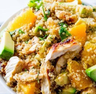 Ensalada de pollo, quinoa y cítricos