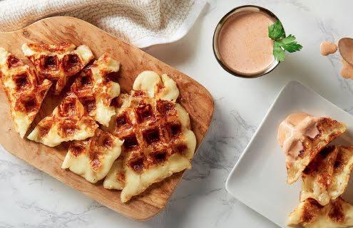 Waffle en salsa de chipotle