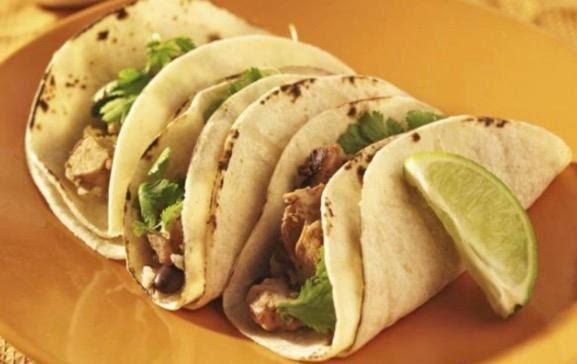 Tacos de bistec y verdolagas