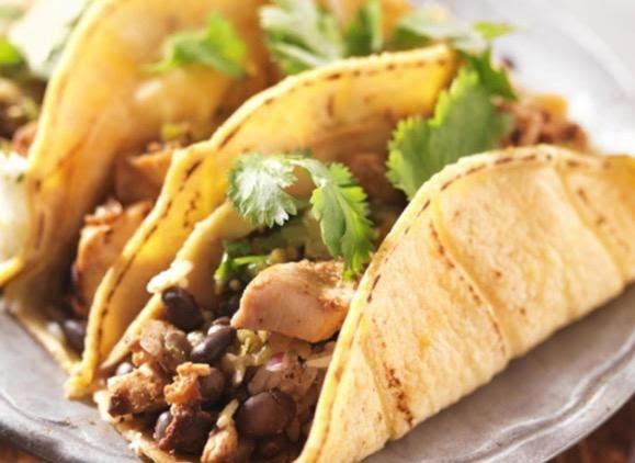 Tacos de frijol y nopal