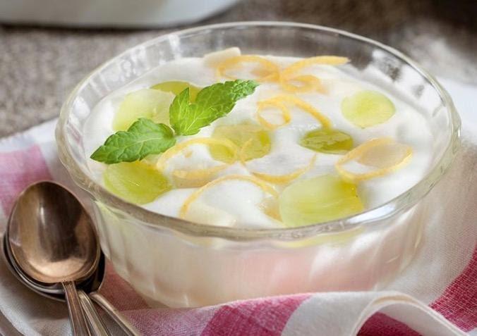 Pera con yogurt y amaranto