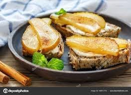 Toast de pera asada