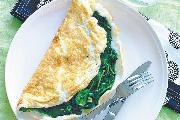 Omelette de claras y espinaca