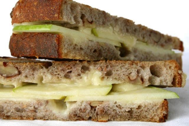 Sándwich de manzana y panela