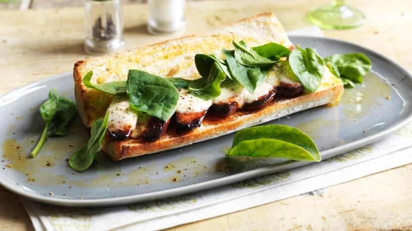 Sándwich de portobello y manchego