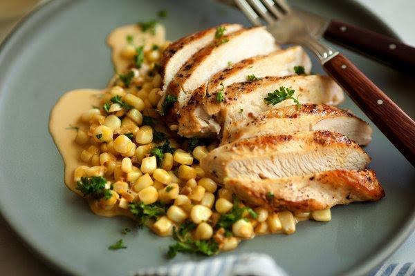 Pechuga de pollo con elote