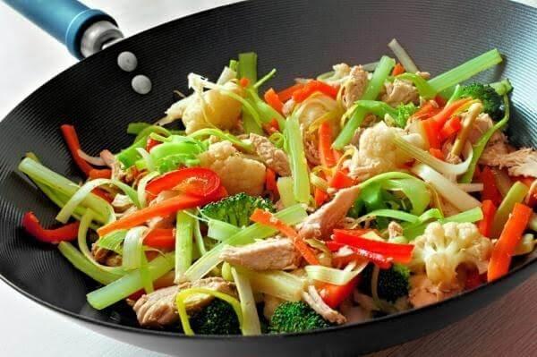 Bowl de pollo con verduras