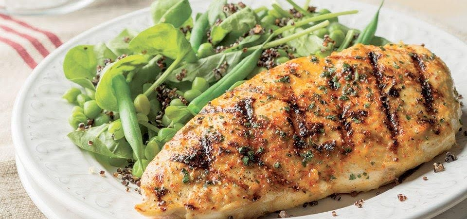 Pollo a la plancha con ensalada verde