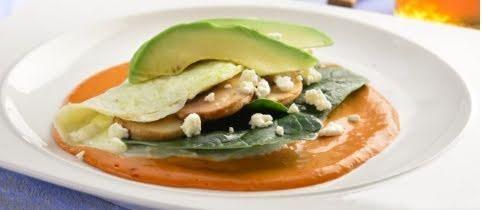 Omelette de claras con verduras y salsa de chile
