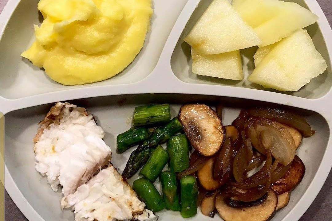 Pescado a la plancha  con verduras y puré de papa