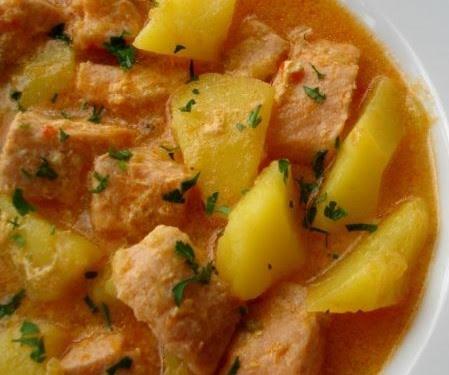 Sopa de salmón y papas
