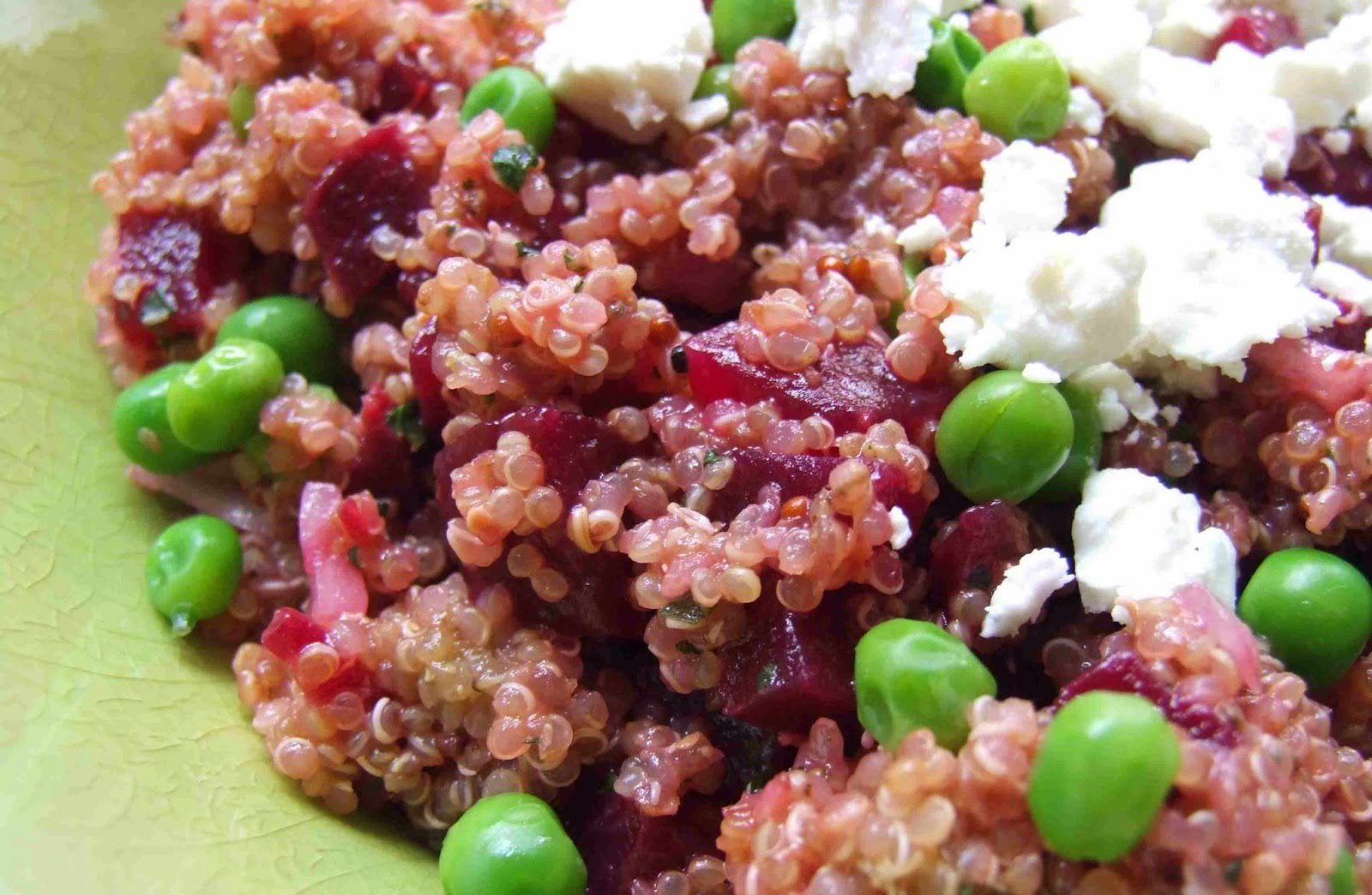 Quinoa con betabel y tofu